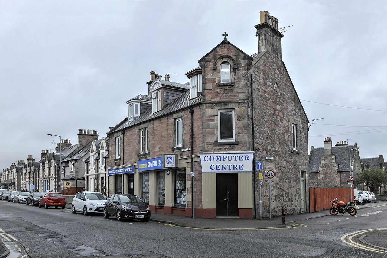 knights of the island schottland.inverness computer shop©marc theis